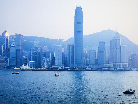 Victoria Harbour, Hong Kong. Photo by Mark Pegrum, 2015. May be reused under CC BY 3.0 licence.