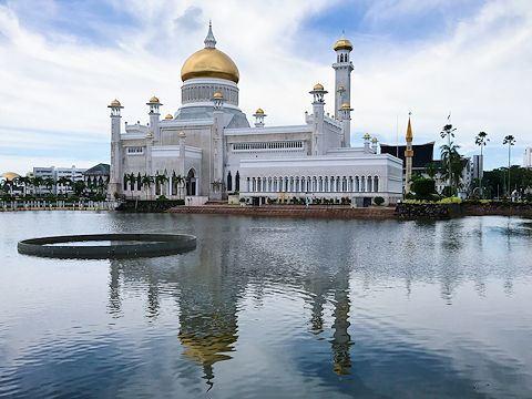 Masjid Omar Ali Saifuddien, Bandar Seri Begawan, Brunei